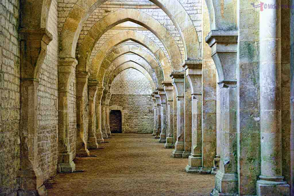 montbard, fontenay, abbey